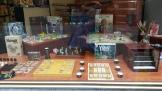 """Très belle vitrine """"jeux d'Asie"""" mise en place par Philibert pour l'occasion"""